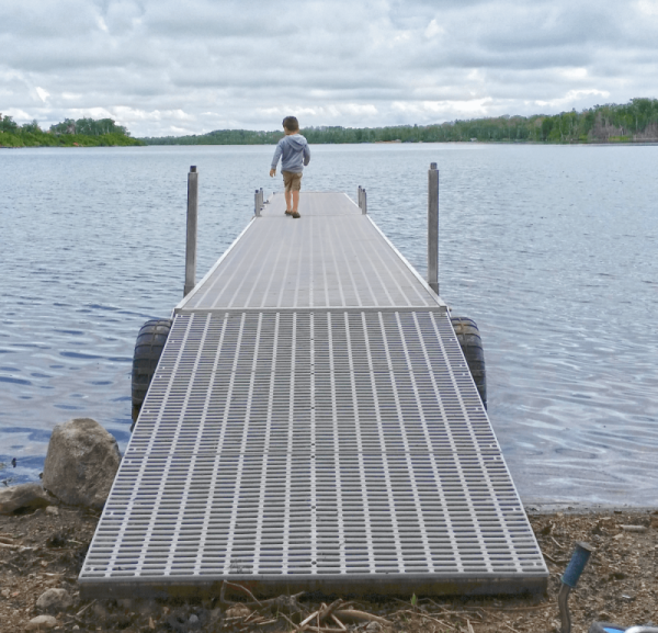 20ft Dock with Ramp and dock wheels