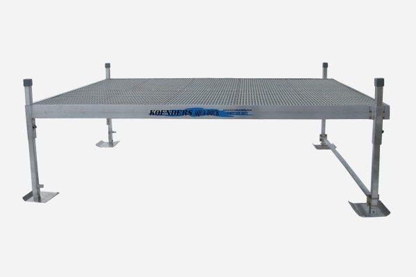 8x10 Aqua Deck Side View
